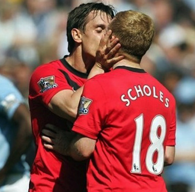 Gary Neville kisses Paul Scholes