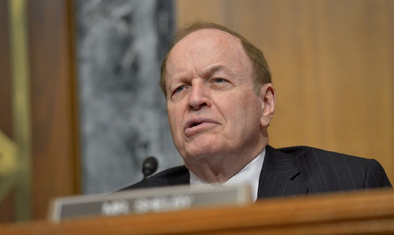 Alabama Senator Richard Shelby speaking into a microphone